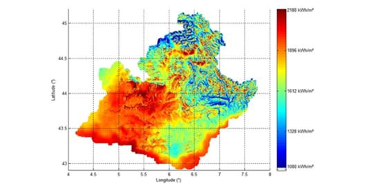 Atlas solaire régional à haute résolution spatiale (200m) intégrant bases de données d'éclairement, modèles numériques de terrain et mesures locales